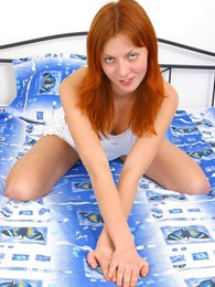 A hot teenage redhead stroking her snatch with a small dildo pictures at dailyadult.info