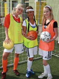 Three teenage sweeties playing games after a soccer game pictures at find-best-tits.com