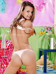 Innocent brunette teenie showing her slim fit body parts pictures at dailyadult.info