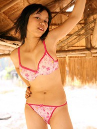 Young Asian cutie showing her sensual teen curves outdoor pics