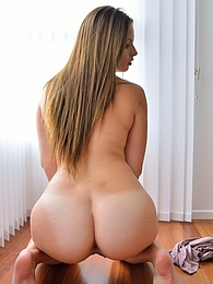 Annalynn Bubblebutt Babyface pictures at freekilosex.com