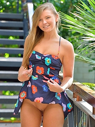Melissa That Innocent Look pictures at kilosex.com