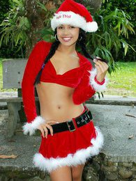 Gigi for sure brings in the holiday cheer pictures at kilosex.com