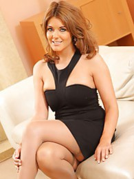 The beautiful Kelly M in black dress pictures at kilogirls.com