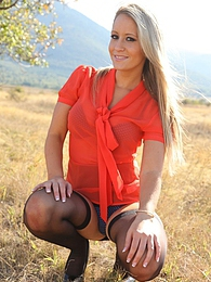 Blonde babe outdoor pictures at dailyadult.info