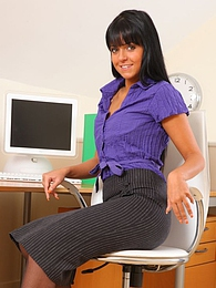 Lovely Laetitia in knee length skirt and black pantyhose pictures at kilogirls.com