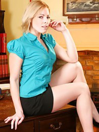 Cheeky blonde secretary slips out of her office clothes and gives her boss a treat pictures at kilogirls.com
