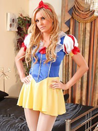 Samantha K teases her way out of her Snow White outfit pictures at freekiloclips.com