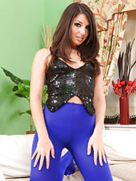 Scarlett looks beautiful in her revealing clubbing outfit and bright blue pantyhose pictures at sgirls.net