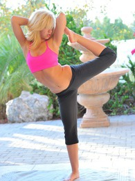 Jayde uses yoga to warm up for our shoot pictures at find-best-babes.com