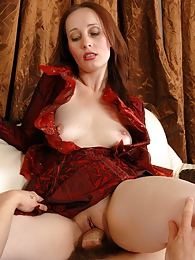 Cock-starving mature babe sharing her experience with a guy in hot quickie pictures