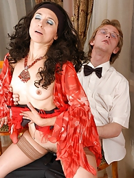 Milf with hot bod gives a waiter a taste of her mature box and gets on top pictures at kilogirls.com