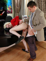 Lusty gay guy asks his boss for a bonus fuck after submitting a full report pictures at freekilomovies.com