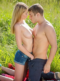 Big breasted blonde young babe getting nailed hard outdoors pictures at kilosex.com
