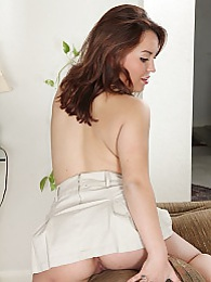 Seductive Latina Alina Garcia shows off her sexy ass pictures at dailyadult.info