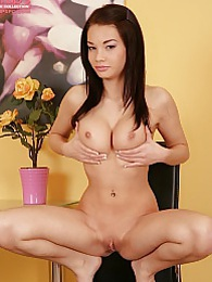Sultry minx Nici Dee spreads her tight little twat pictures at kilovideos.com
