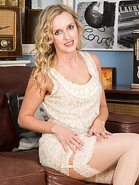 Gorgeous Skye Taylor masturbating on the sofa pictures at adspics.com