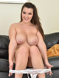Curvy busty babe Cherry Blush fingerblasting her box pictures at lingerie-mania.com