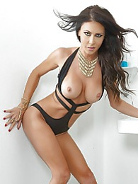 Jessica Loves Black And White Pic - Porn legend Jessica Jaymes pictures at freekiloporn.com