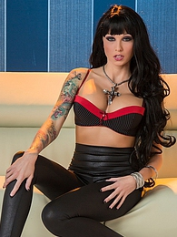 Solo Rikki Six pictures at lingerie-mania.com