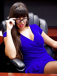 Mercedes Office Fun Pics - Mercedes Carrera hardcore pictures at kilovideos.com