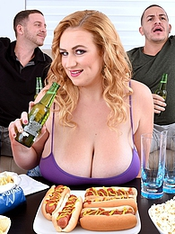 Sausage Party pictures at kilogirls.com