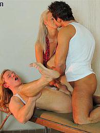 Bisexual orgie man gets fucked and sucked at the same time pictures at adipics.com
