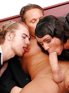 Free Bisexual Sex Pictures and Free Bisexual Porn Movies
