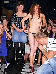 Cute drunk chicks sucking peckers at a enormous sex party pictures at freekilomovies.com