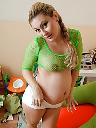 Green fishnet lingerie pictures at kilopills.com