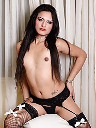Amazing Valentina spreads and plays pictures at kilosex.com