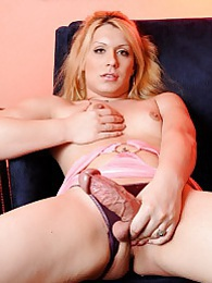 Sweet transsexual Chrissy posing her fat hard dick pictures