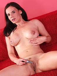 Mature babe Trinity Black toys her wet older pussy pictures at freekilosex.com
