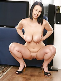 Busty babe Chrissy Harris jams twat with big dildo pictures at kilosex.com