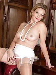 Older Huntingdon Smyth naked in red high heels pictures at freekiloclips.com