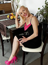 Horny wife Tina fingers pussy wearing only pink heels pictures at dailyadult.info