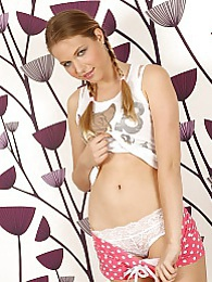 Super cute coed Cady Anne spreads her pink pussy lips pictures at kilogirls.com