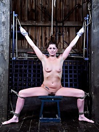 Cici Plays Predicament Games pictures at freekiloclips.com