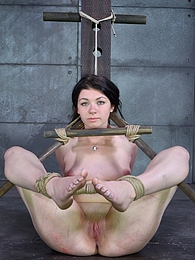 Tied Up pictures at kilogirls.com