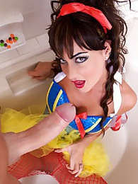 Slutty Snow White Pics - Jessica shows her appreciation by bobbing your huge knob and takes a huge creamy facial pictures