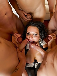 Veronicas Club Experience Pics - Sexy MILF Veronica Avluv pictures at freekilomovies.com