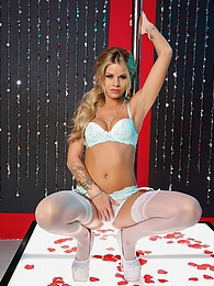 Jessa Rhodes Solo - Sexy Jessa Rhodes loves pictures at freekiloporn.com