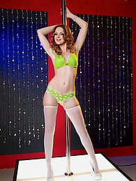 Marie McCray Sucks Cock Pic - Red headed stunner Marie McCray pictures at freekiloporn.com