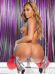 Solo Gianna Nicole SE pictures at dailyadult.info