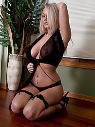 Black Lingerie pictures at kilosex.com