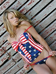 Happy 4th pictures at kilogirls.com