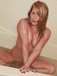 Shower pictures at lingerie-mania.com