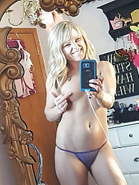 Mirror Selfies pictures at relaxxx.net