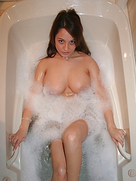 Nikkis Bath Time pictures at lingerie-mania.com