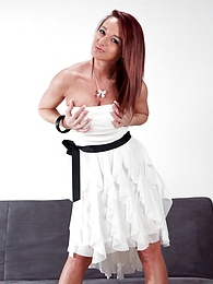 White Dress pictures at kilotop.com